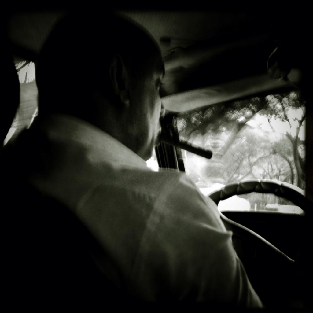 taxista cigarro