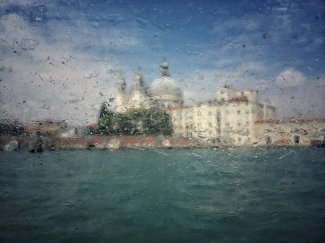 venezia, street photo, shot on iphone, iphone shot, liana solis